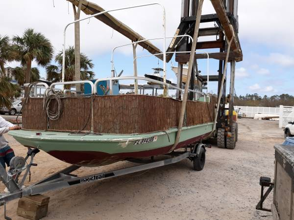 Photo 18 foot deck boat with 40 horse Johnson tracker motor - $2,800 (SW Pensacola)