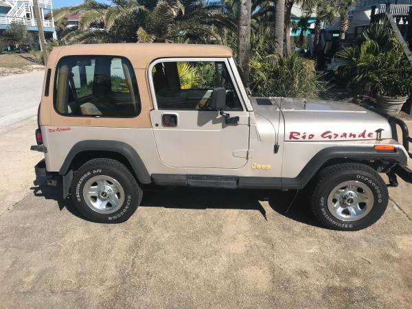 Photo 1995 Jeep Wranger YJ Rio Grande - $7,900 (Gulf Breeze)