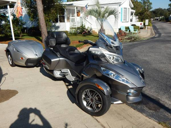 Photo 2012 Can-Am Spyder RT Limited - $12,500 (Navarre)