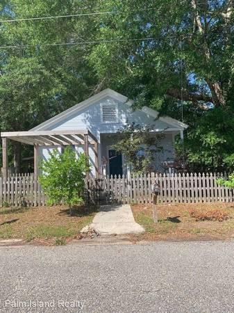 Photo 21.5 for rent in Century 571 Church St (571 Church St Century, FL 32535)