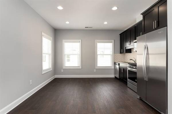 Photo Amazing View New Construction Unit 1 Car Private Garage One Bed  O (pensacola)
