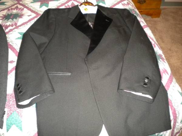 Photo Black Tuxedo (5 pieces) or Gray Wool Suite (3 Piece) - $40 (Navarre)