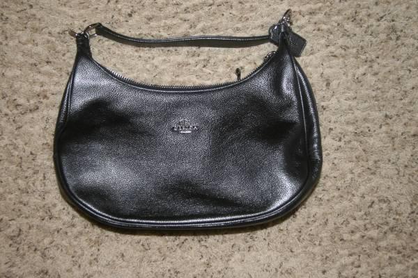 Photo COACH black metallic HOBO handbag with dust cover - $55 (pace)