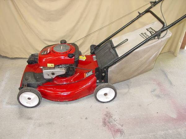 Photo Craftsman Self-propelled Lawn Mower For Sale - $185 (Cantonment)