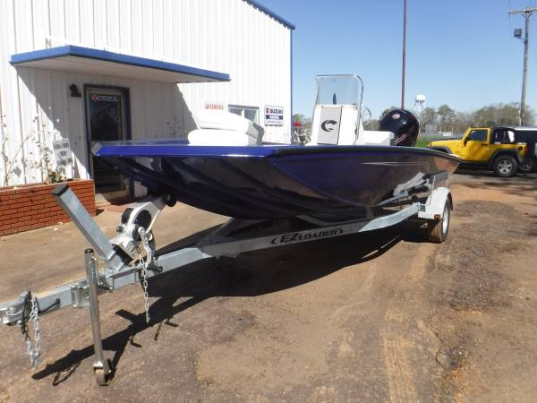 Photo Crestliner 20 ft Bay Boat (Cotton Country Marine)