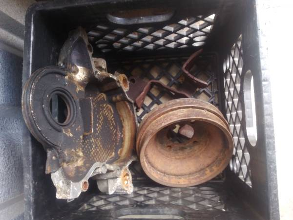 Photo Engine Parts FORD 302 - $50 (Pensacola)