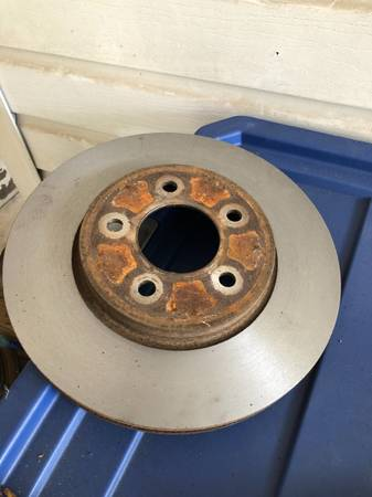 Photo Ford 10.5 inch Rotors - $85 (Milton)
