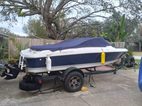 Photo Four Winns open Bow boat - $12,000 (Gulf Breeze)