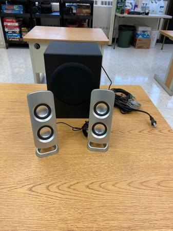 Photo Insignia Powered Computer Speakers with Subwoofer (3 Piece) - $30 (Pensacola)