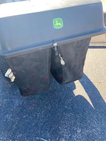 Photo John Deere Grass Bagger and yard cart - $300 (Milton)