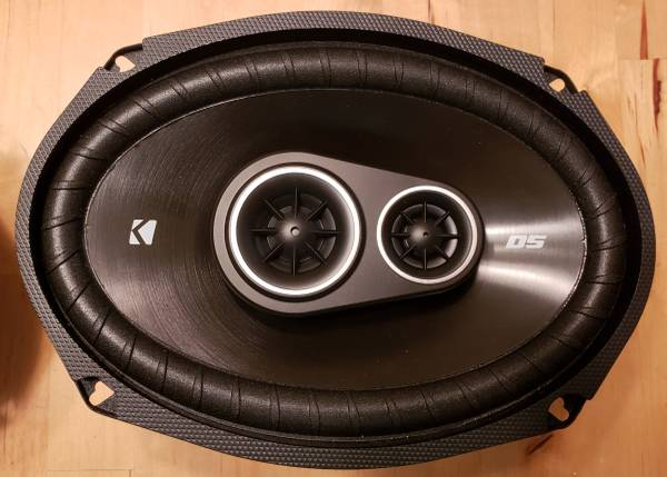Photo Pair of Kicker DSC 6930 6x9 Car Speakers - $50 (Milton)
