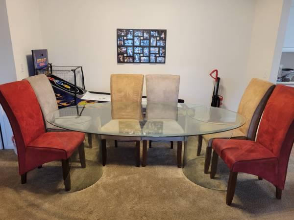 Photo Really nice glass dining room set - $200 (Pensacola)