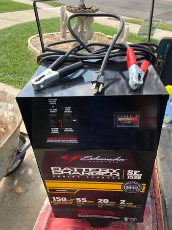Photo SCHUMACHER ELECTRIC COMMERCIAL BATTERY CHARGER ON WHEELS - $175 (PENSACOLA)
