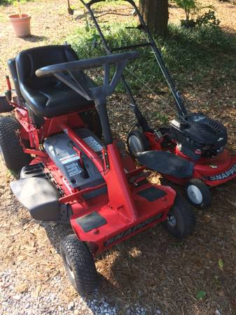 Photo SNAPPER RIDING LAWN MOWER  SNAPPER PUSH MOWER - $550 (PENSACOLA)
