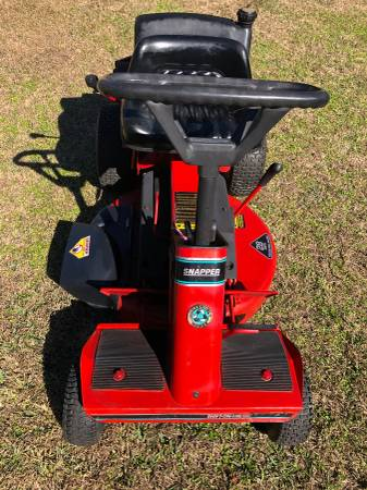 Photo Snapper 28 Rear Engine Riding Mower - $600 (Cantonment)