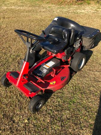 Photo Snapper Rear Engine Riding Mower - $700 (Cantonment)