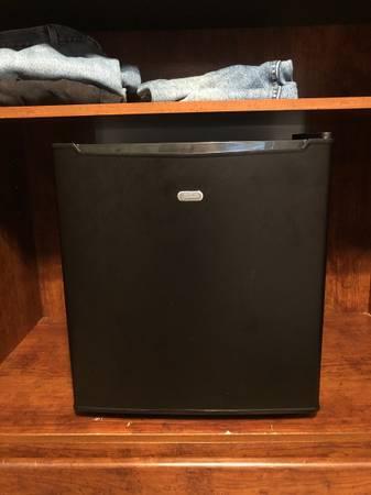 Photo mini fridge (like new) - $60 (Pensacola)