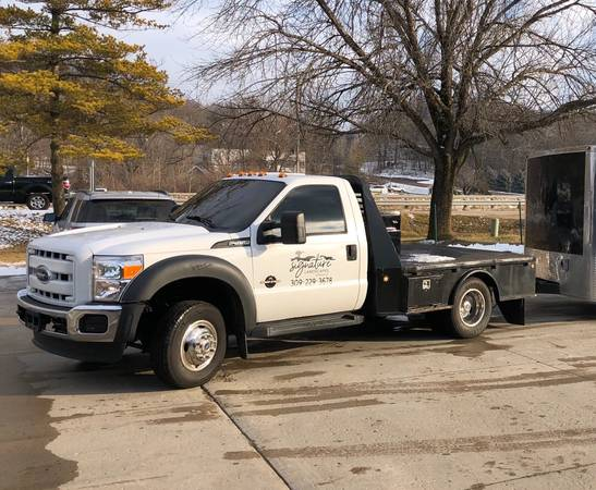 Photo 2006 Ford F-350 Super Duty Flatbed Powerstroke 4wd - $10,000 (East Peoria)