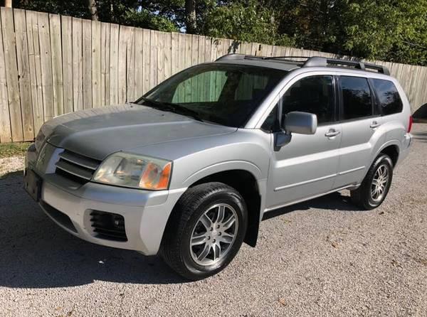 Photo 2OO4 MITSUBISHI - ENDEAVOR - LIMITED - SUV - $4,650 (LOCATED IN CHAMPAIGN, IL.)