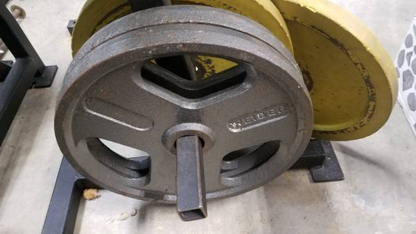 Photo (2) Weider 45lb 2quot Olympic Weights Grip Plates - $150 (Morton)