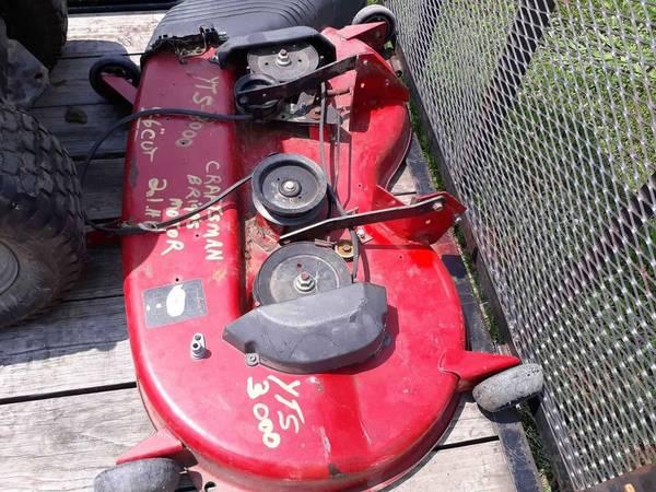 Photo 46 inch Craftsman mower deck (pekin)