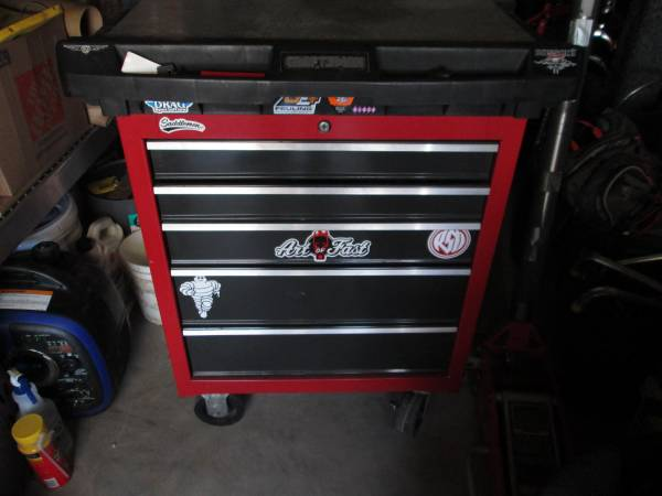 Photo Craftsman rolling box wtop slide - $250 (Washington)