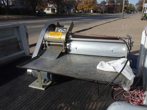 Photo For Sale Electric Pizza Dough Roller - $1625 (Pekin - - Northside)