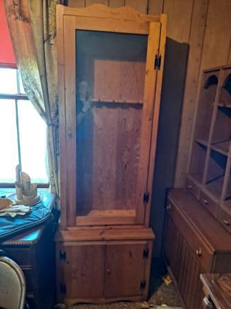Photo Gun cabinet solid wood  glass holds 6 guns reduced to - $75 (Trivoli)