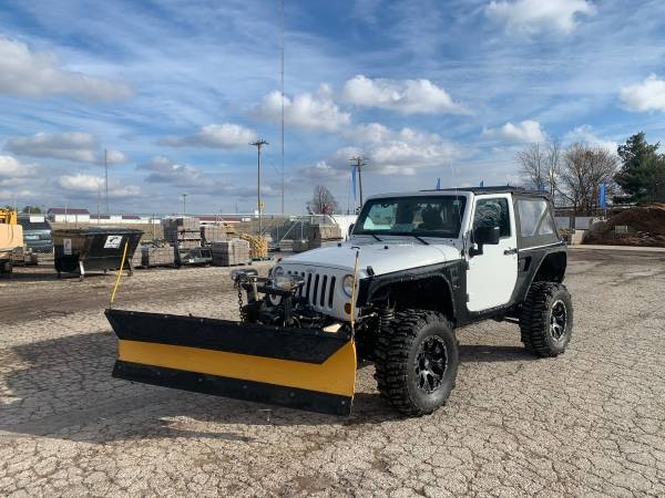 Photo Jeep Sport with snow plow - $15,500 (Jacksonville, IL)