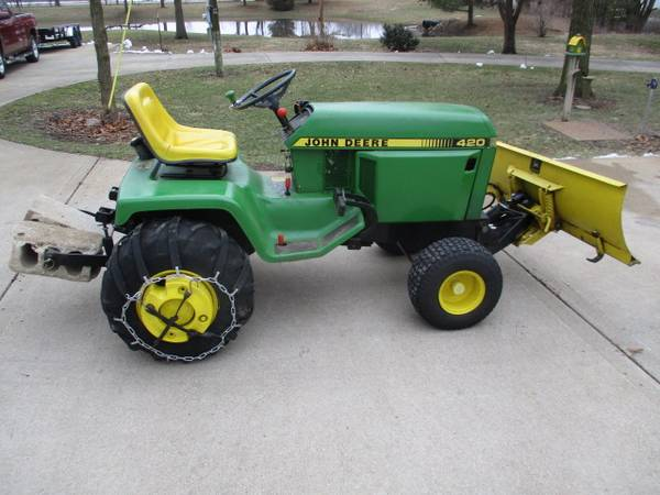 Photo John Deere 420 Lawn  Garden Tract0r-3 pt hitch-snow blade - $2995