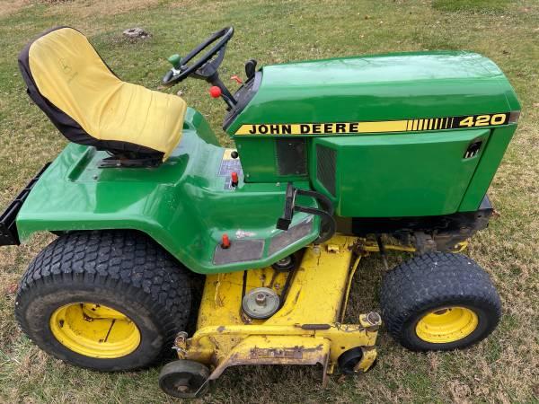 Photo John Deere 420 mower, snowblower  3pt - $3,950 (Peoria)