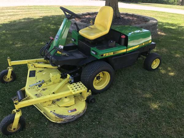 John Deere F935 Diesel With 60 Commercial Mower Deck Nice Mower 3500 Central Il Garden Items For Sale Peoria Il Shoppok