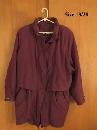 Photo Ladys womens winter coats Check out the pictures - $10 (Eureka)