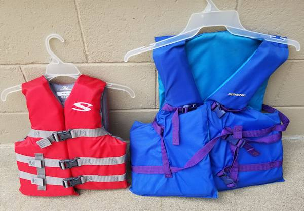 Photo Life Vests (Kids - Adults) (East Peoria)