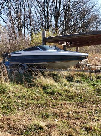 Photo Maxum project boat for sale - $1,000 (MARSEILLES)