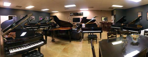 Photo New  used pianos Shop from home  video chat  demos available (Peoria)