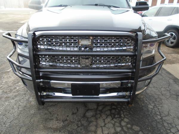 Photo RANCH HAND LEGEND SERIES GRILL GUARD - $450 (Toulon)