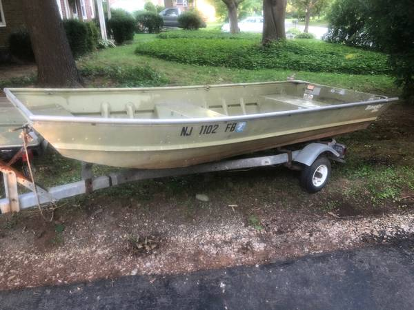 Photo 1239 Jon Boat and Trailer - $600 (Wallingford)