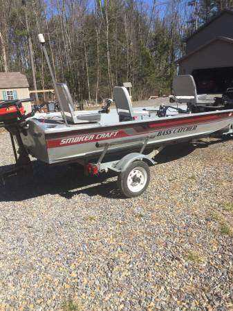 Photo 15 ft Bass tracker boat - $3200 (Lehigh Valley)