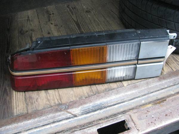Photo 1982-1992 Chevrolet Camaro Left Rear Tail Light - $60 (Sellersville,Pa.)