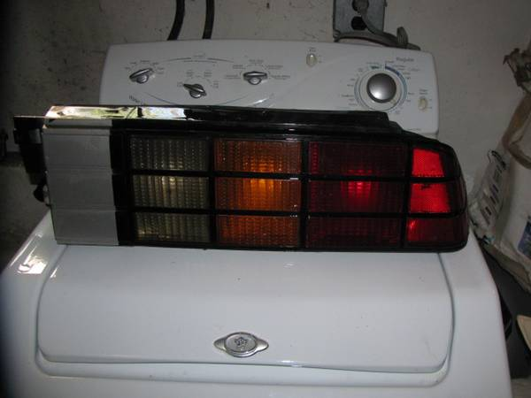Photo 1985-1990 Chevrolet Camaro IROC-Z Right Side Tail Light - $65 (Sellersville,Pa.)