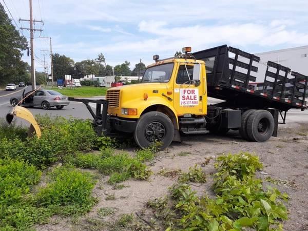 Photo 1996 international 4900 dump truck - $14,990 (Bensalem)