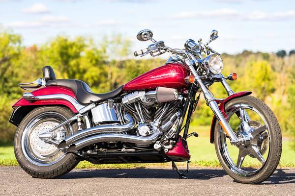 Photo 2002 Harley-Davidson Softail Deuce FXSTDI CVO 95quot Screamin39 Eagle - $8,995 (Zieglerville)