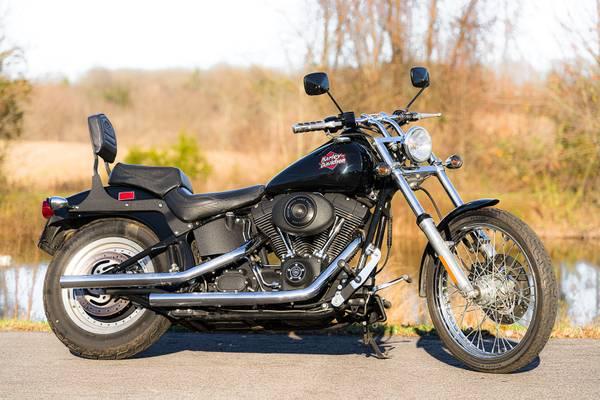 Photo 2002 Harley-Davidson Softail Night Train FXSTBI Only 19,685 Miles - $7,495 (Zieglerville)