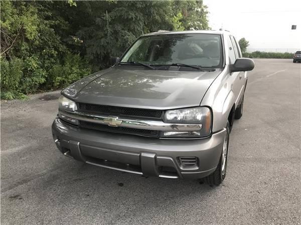 Photo 2006 Chevrolet TrailBlazer LS 4WD Only 93K - $4,900 (Philadelphia)