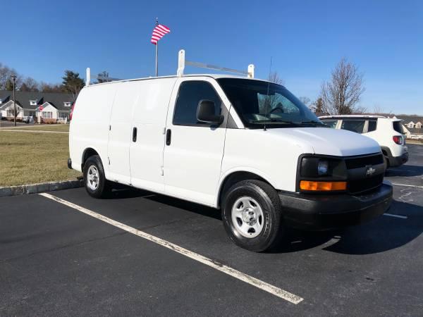 Photo 2007 Chevy Express 1500 Cargo Van V6 - $4950 (Philadelphia PA)