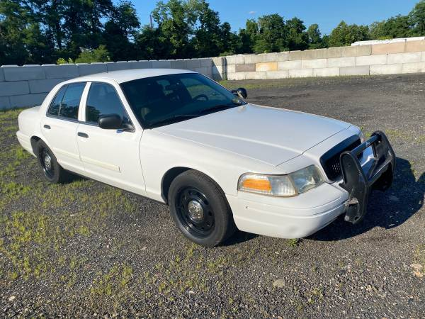 Photo 2009 Ford Crown Victoria P71 Police Interceptor 70k miles - $3800 (Feasterville PA)