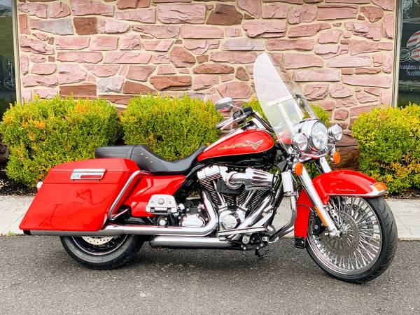 Photo 2010 Harley-Davidson Road King FLHR Custom Stretched Big Wheel Bagger - $13,995 (Zieglerville)