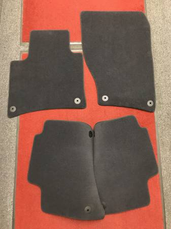 Photo 2011-2017 VW TOUAREG 2011-18 PORSCHE CAYENNE BLACK CARPET MATS - NEW - $75 (West Chester)