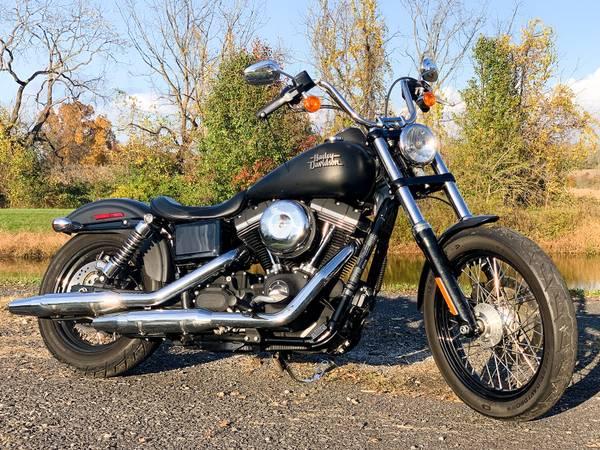Photo 2015 Harley-Davidson Dyna Street Bob FXDB 6,870 Miles 103quot6-Speed - $11,995 (Zieglerville)